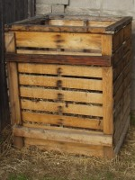 Wood Pallet Compost Bin